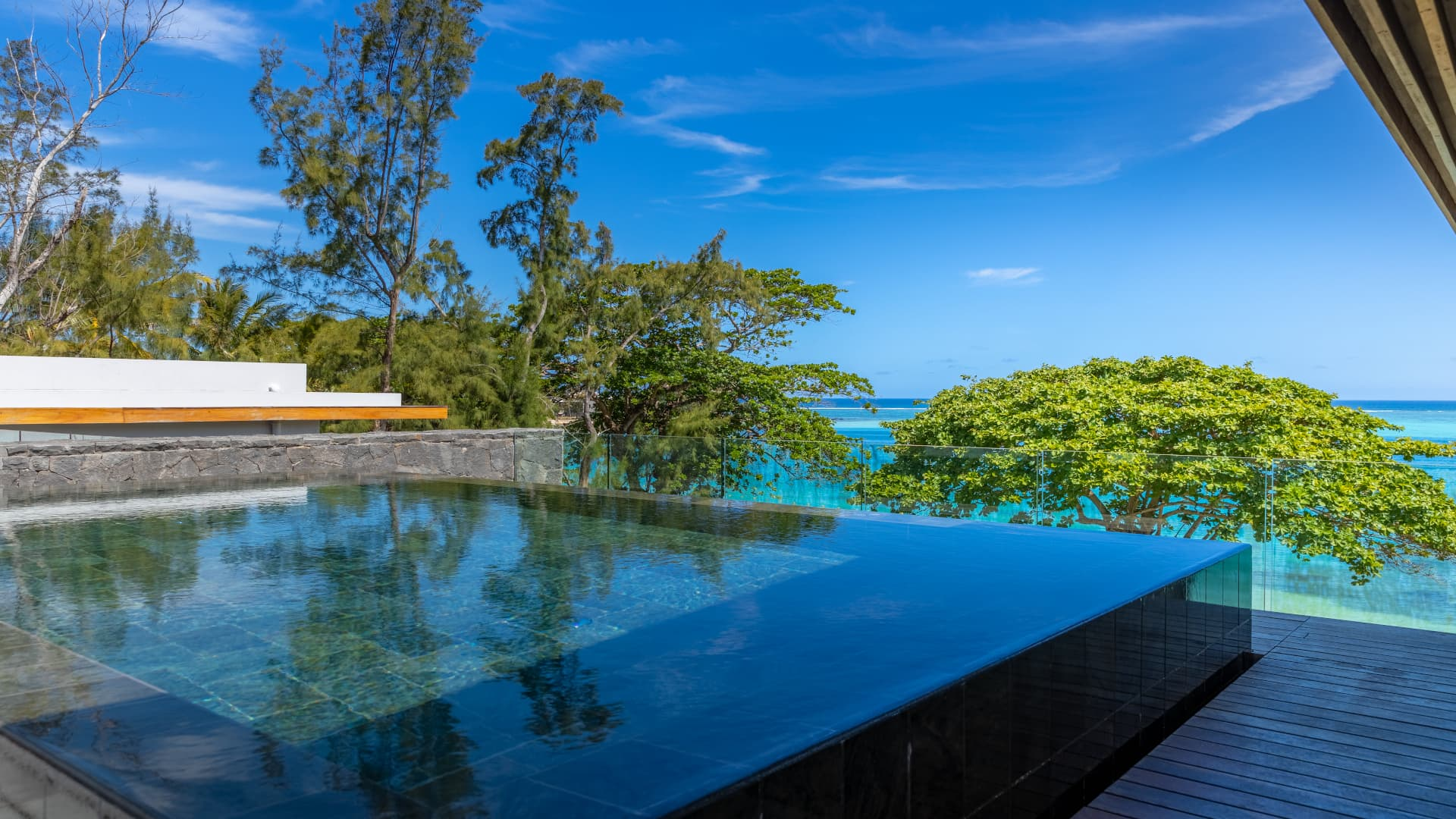 Villa Blue Living Penthouse, Rental in Mauritius South East